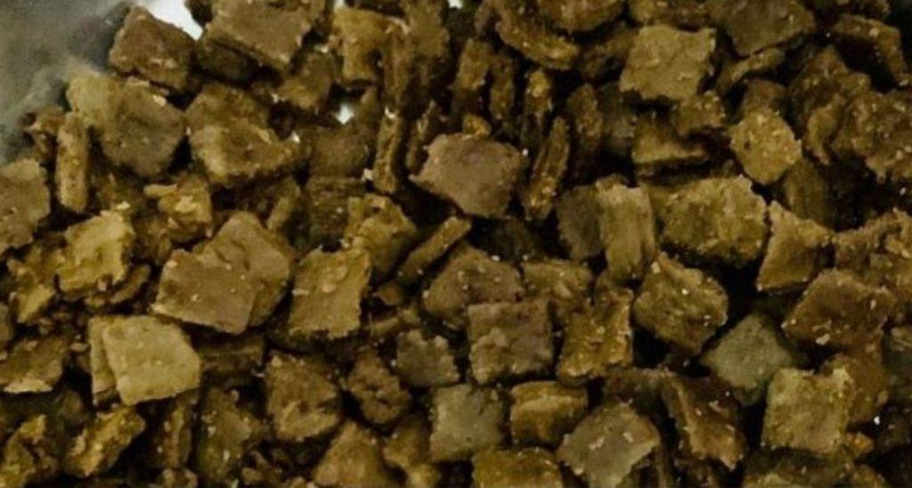 ZiwiPeak Air-Dried Cat Food pieces